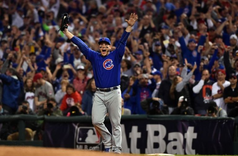 9650691-anthony-rizzo-mlb-world-series-chicago-cubs-cleveland-indians-850x560